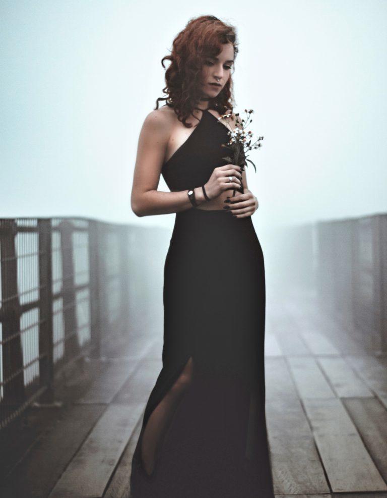 Waarom vrouwen massal zwart dragen?
