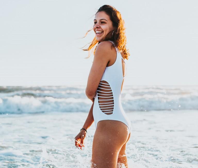 uimapuvut naisille