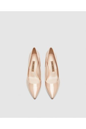 Zara FAUX PATENT LEATHER BLOCK HEEL COURT SHOES