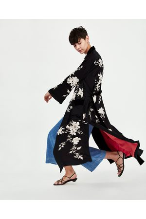Zara CONTRASTING EMBROIDERED KIMONO