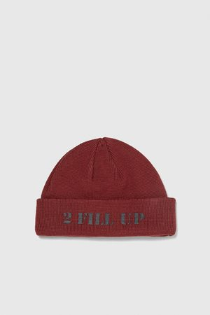 Zara KNIT BEANIE WITH SLOGAN