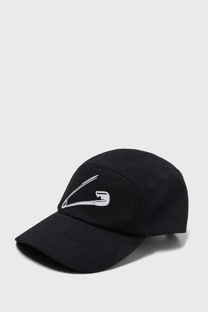 Zara Miehet Lakit - Safety pin print cap
