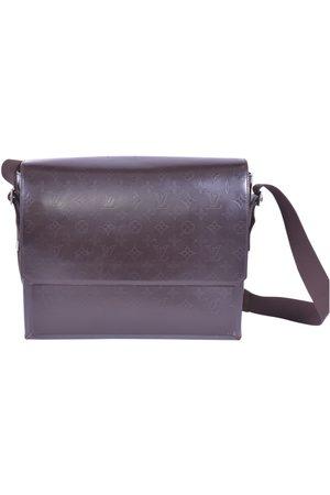 LOUIS VUITTON Patent leather Handbags