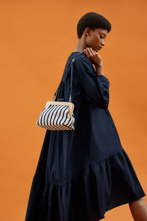 Zara Crossbody bag with wooden kiss lock detail