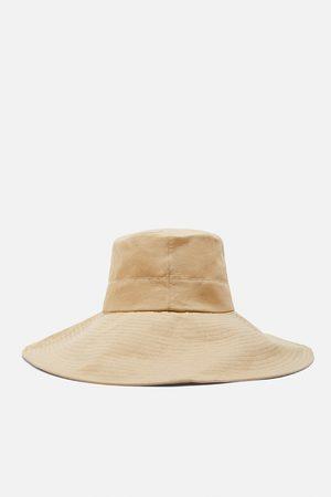 Zara Limited edition bucket hat