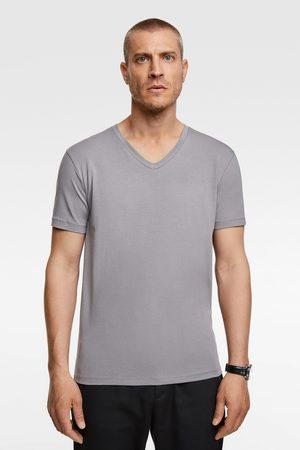 Zara Slim fit v-neck t-shirt