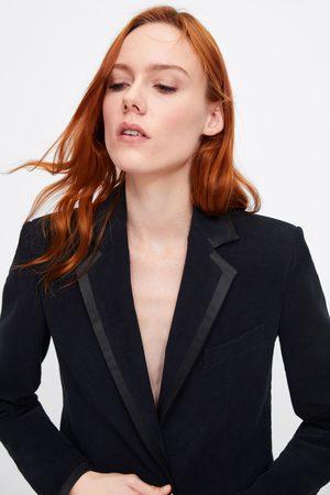 Zara Contrast velvet blazer