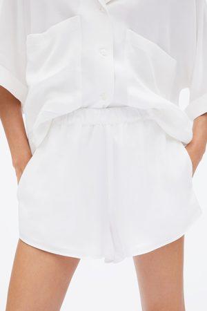 Zara Loose-fitting shorts