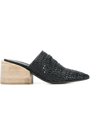 MARSÈLL Pointed mule pumps