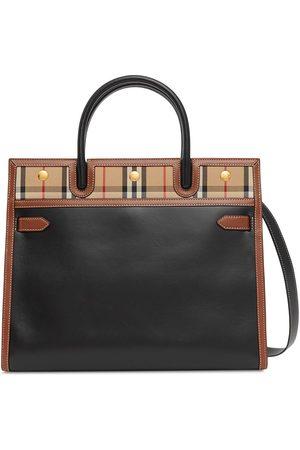 Burberry Naiset Ostoskassit - Mini two-handle Title bag
