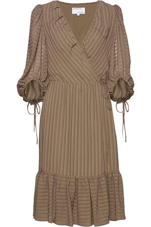 Designers Remix Sheer Ruffled Wrap Dress Polvipituinen Mekko Beige