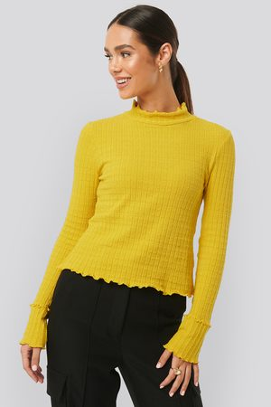 NA-KD Frill End Ribbed Polo Sweater - Yellow