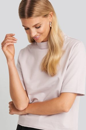 NA-KD High Neck Short Sleeve T-shirt - Purple