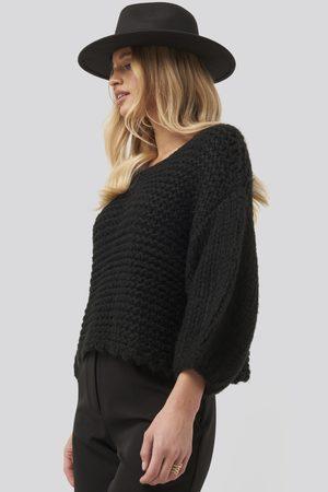 NA-KD Heavy Knitted Short Sleeve Sweater - Black