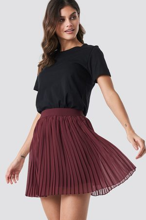 NA-KD Mini Pleated Skirt - Red