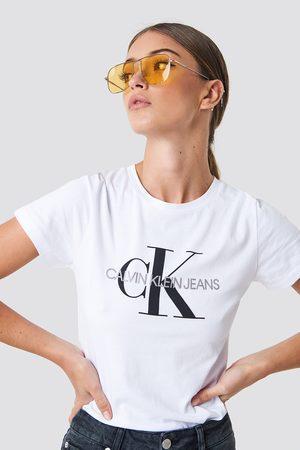 Calvin Klein Naiset T-paidat - Core Monogram Logo Tee - White