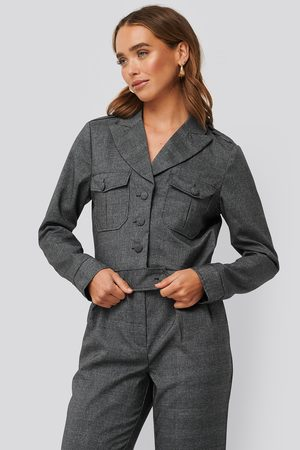 NA-KD Short Plaid Buttoned Jacket - Grey