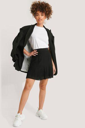 NA-KD Pleated Bottom Skirt - Black