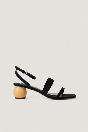NA-KD Matalakorkoiset Sandaalit - Black
