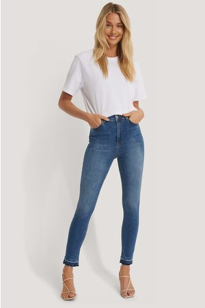NA-KD Skinny High Waist Open Hem Jeans - Blue