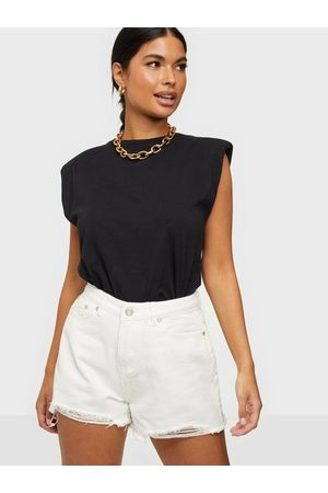 Missguided Rip Hem High Waist Shorts