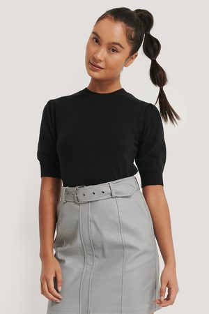 Misslisibell x NA-KD Short Sleeve Knitted Top - Black