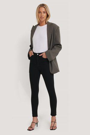 NA-KD Skinny High Waist Open Hem Jeans - Black