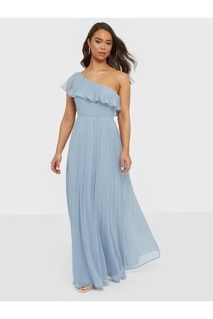 NLY Eve Your Fine Frill Gown