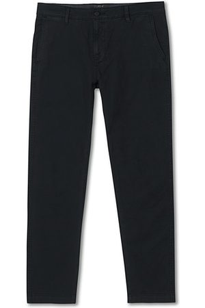 Levi's Miehet Chinot - Garment Dyed Stretch Chino Mineral Black