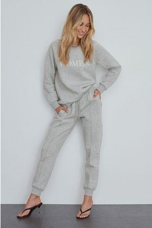 NA-KD Peruscollegehousut - Grey