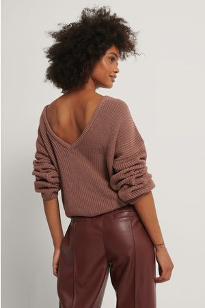 NA-KD Knitted Deep V-neck Sweater - Pink