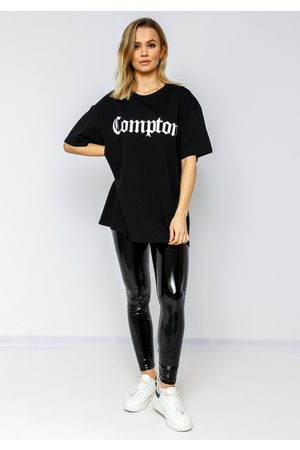 Fiorellashop Naiset T-paidat - Compton Oversize Tee In Black