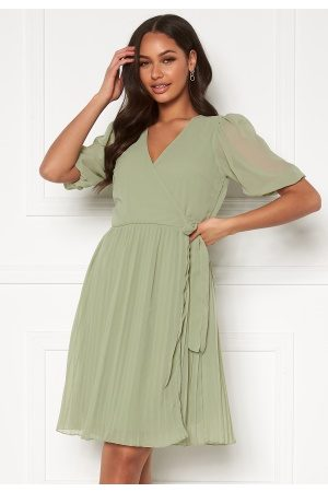 BUBBLEROOM Naiset Midimekot - Sinja puff sleeve dress Dusty green 40