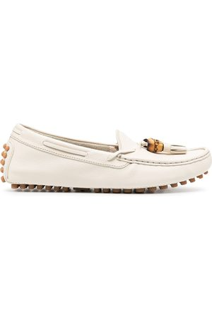 Gucci Naiset Loaferit - Pebbled tassel loafers