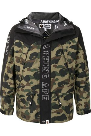 A BATHING APE® Miehet Takit - Camouflage print logo jacket