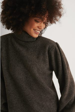 NA-KD Naiset Neulepaidat - Wool Blend Knitted Polo Neck Sweater - Brown,Grey