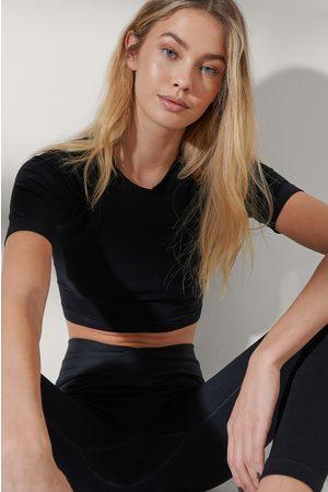 NA-KD Flow Naiset Urheiluvaatteet - Yläosa - Black