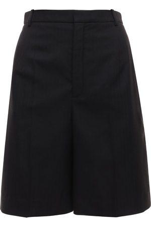 Saint Laurent Naiset Bermuda - Fluid Wool Gabardine Bermuda Shorts