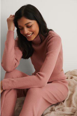 NA-KD Naiset Paidat - Ribattu Korkeakauluksinen Neuleyläosa - Pink