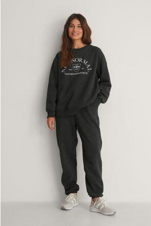 adidas Naiset Collegehousut - Orgaaniset Harjatut Kapeat Collegehousut - Grey