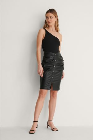 Curated Styles Pu-Hame - Black