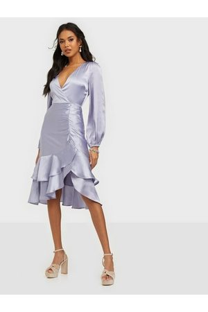 NLY Trend Eyes On Me Ruched Satin Dress Dusty Blue