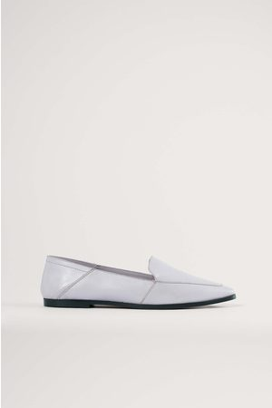 NA-KD Pointy Leather Loafers - Purple