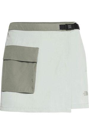 The North Face Naiset Shortsit - W Prmnt Skrt Shorts Sport Shorts