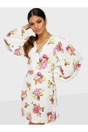 Glamorous Naiset Rennot Mekot - Baloon Sleeve Dress