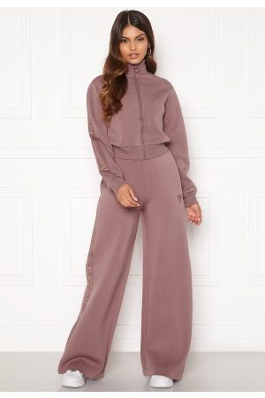 Guess Naiset Leveälahkeiset - Scuba Long Pant G6G4 Rose Chai M