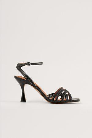 NA-KD Korkeakorkoiset Sandaalit - Black
