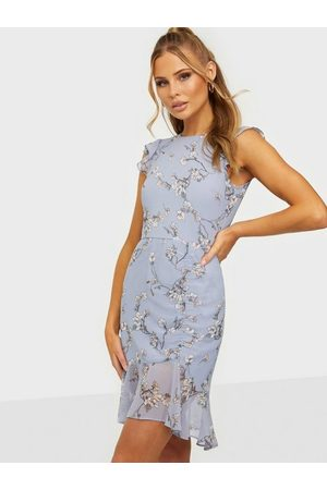 NLY Trend Ruched Flounce Dress