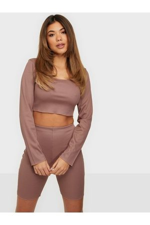 Missguided Rib Neck Crop Top & Cycling Shorts