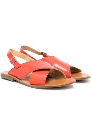 GALLUCCI Sandaalit - TEEN patent-leather crossover-straps sandals